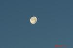 朝日に輝く月。クリックして大きくしてくださいね。r1