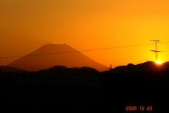 日没と富士山12/20、3。クリックして大きくしてくださいね。r1