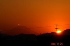 富士山と日没12/29。クリックして大きくしてくださいね。r1