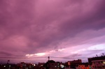 ピンクな雲、西