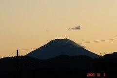 台風一過の夕景富士山09'10/8。クリックして大きくしてくださいね。r1
