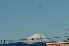 富士山とB−757。クリックして大きくしてくださいね。r1