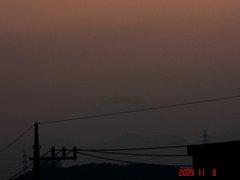 ギリギリ夕景富士山09'11/8。クリックして大きくしてくださいね。r1