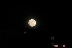 満月。クリックすると大きくなりますR1。