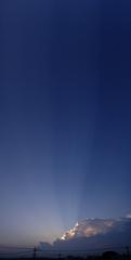 8/25の夕景をパノラマ撮影。クリックすると大きくなりますR1。