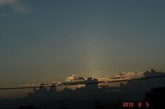 赤く大きく広がる夕日はもう少し先かな。クリックすると大きくなりますR1。