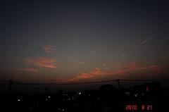 雲がもっと多けりゃもっと綺麗な夕日になってただろうなの今日の夕景。クリックすると大きくなりますR1。