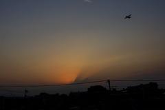 夕景とC−130